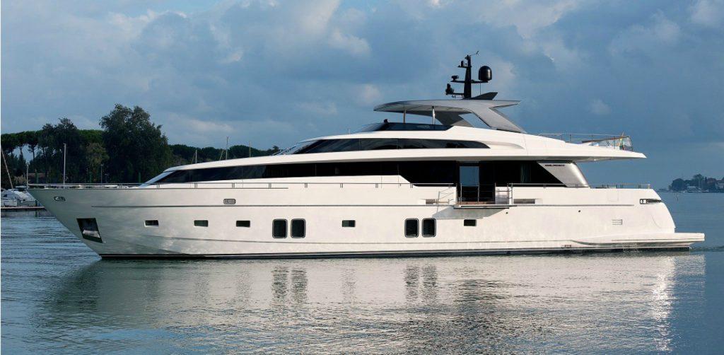 Sanlorenzo SL106 features Hybrid, the eco-friendly yacht that makes no noise
