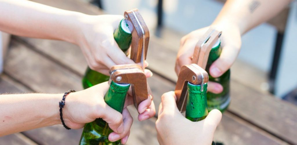 Box, the bottle opener that alerts friends when uncork a beer