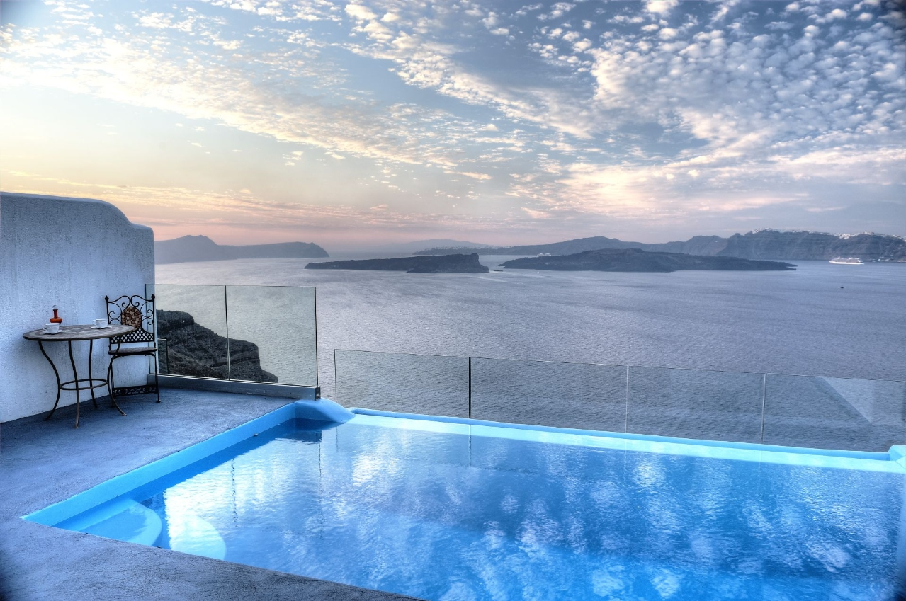 Santorini a paradise; here is when to go