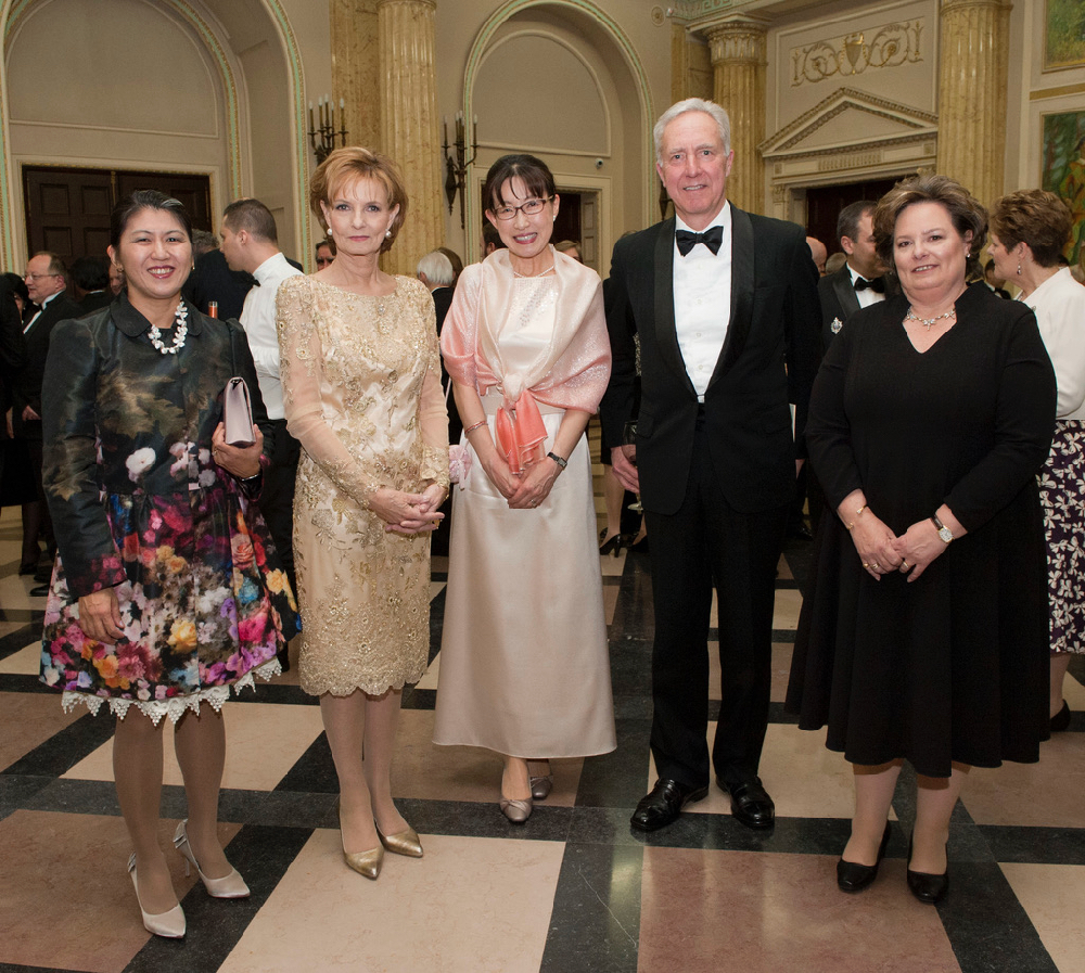 The king of Romania is dead, long life to the queen