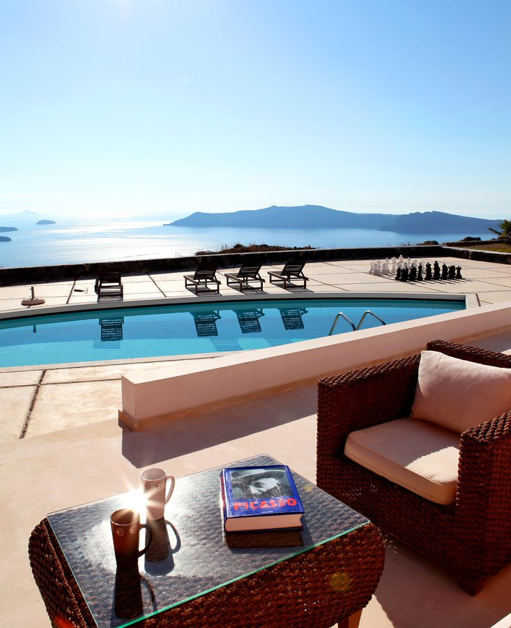 Panoramic Views, Privacy, Serenity, Comfort, Style And Luxury Are The Distinctive Characteristics Of This Villa. Santorini,